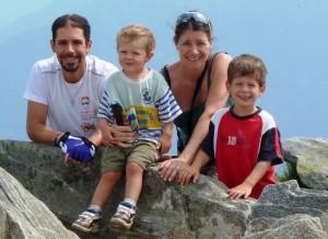 Photos de la famille à Cimetta vers Locarno